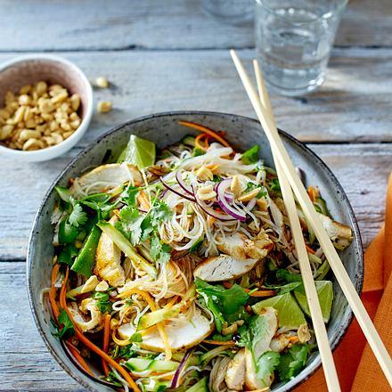 Thai-Salat mit Hähnchen Rezept