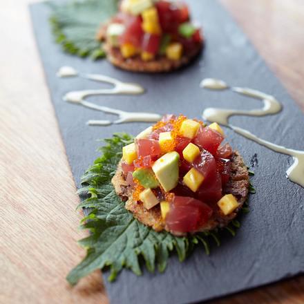 Thunfisch-Sashimi auf Bananen-Crostini Rezept