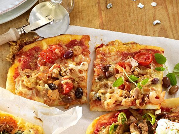 Thunfisch-Shrimps-Pizza mit Käse Rezept