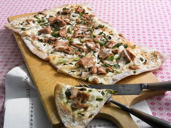 Thunfisch-Zwiebel-Flammkuchen Rezept
