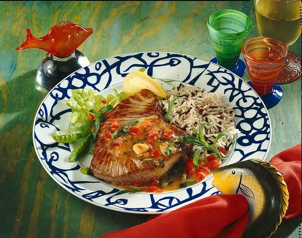 Thunfischsteak mit Zitronen-Knoblauch-Estragon-Soße Rezept