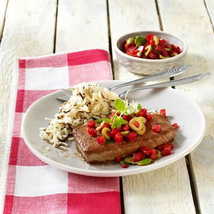 Thunfischsteaks mit Paprika-Oliven-Salsa Rezept