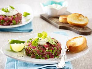 Thunfischtatar mit Joghurtdip Rezept