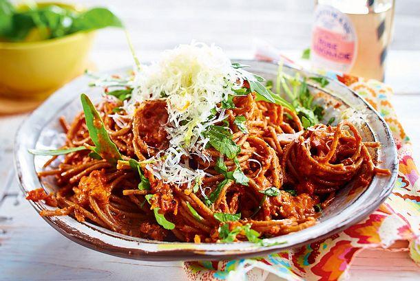 """""""TI Amo""""-Spaghetti mit Paprika-Nuss-Kuss Rezept"""