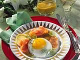 Toastbrot-Blüte mit Lachs und kleinem Spiegelei Rezept