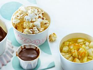 Toffee-Eis mit Karamellsoße und Vanillebirnen Rezept