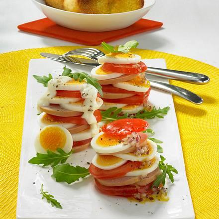 Tomaten-Ei-Türmchen Rezept