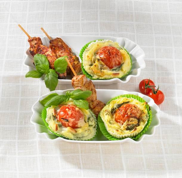 Tomaten-Kartoffelpüree-Muffins mit Schaschlik Rezept