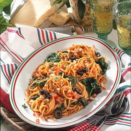 Tomaten-Nudeln mit Spinat Rezept