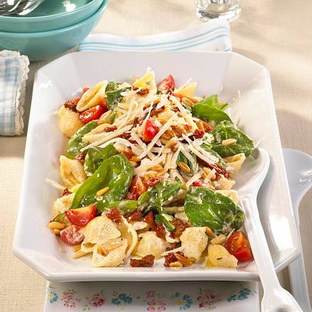 Tomaten-Nudelsalat mit Ricottacreme Rezept