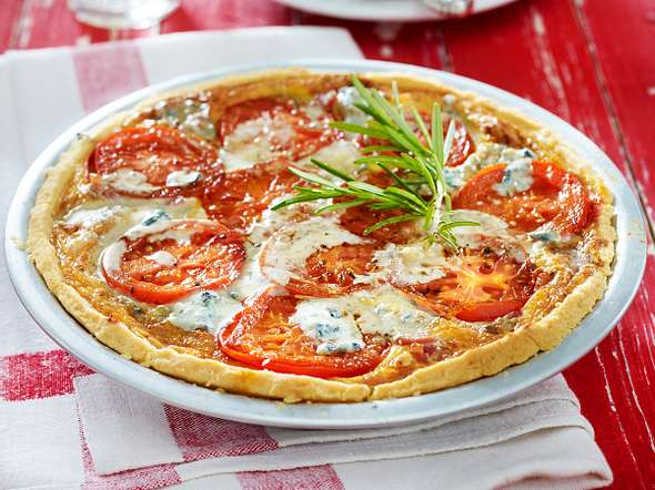 Tomaten-Speck-Kuchen mit Gorgonzolaguss Rezept