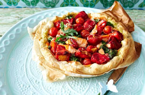Tomaten-Tarte mit Hähnchen und Pesto Rezept
