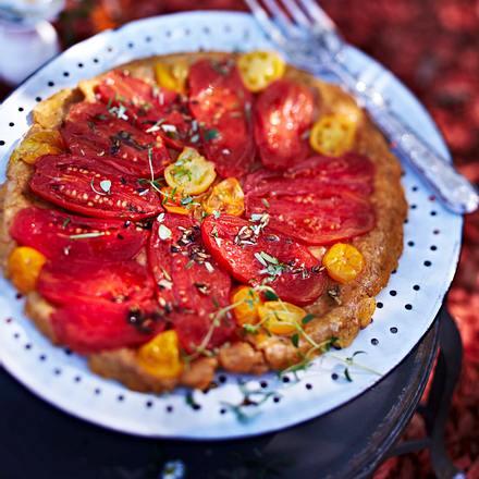 Tomaten-Tarte Tatin mit Flaschen- und gelben Tomaten und Fenchelsamen Rezept