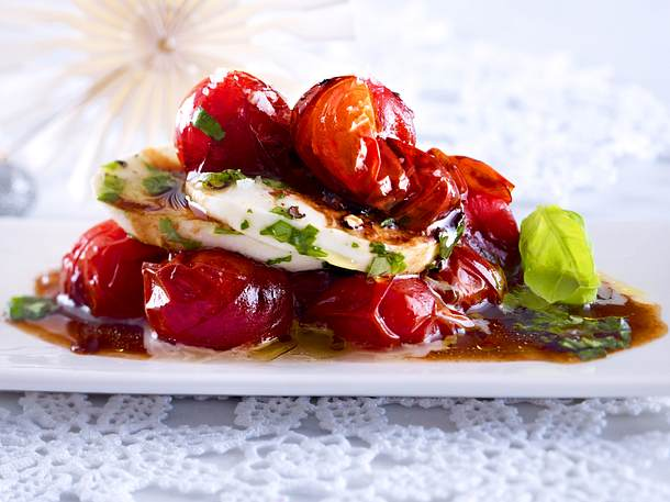 Tomaten-Türmchen in Balsamico-Crema Rezept