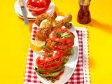 Tomaten-Türmchen zu Hähnchen Drumsticks Rezept