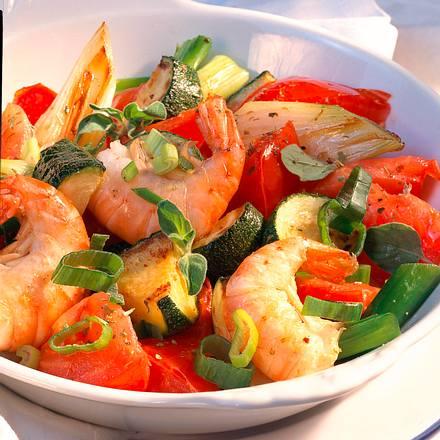 Tomaten-Zucchini-Pfanne mit Garnelen Rezept