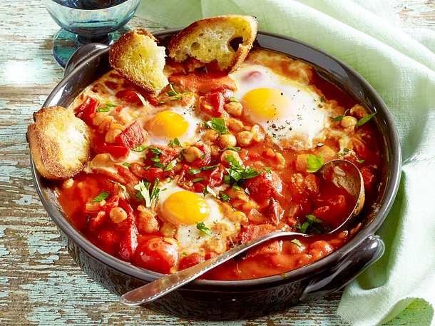 Tomateneintopf mit Ei Rezept