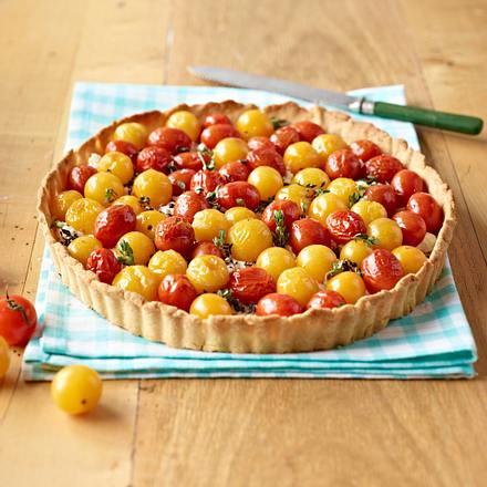 Tomatenquiche mit Balsamico-Zwiebeln mit Pinienkernen Rezept