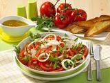 Tomatensalat mit Rauke und Parmesan Rezept