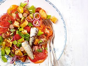 Tomatensalat mit Sardinen Rezept