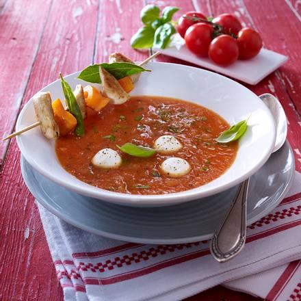 tomatensuppe aus frischen tomaten mit h hnchenspie en rezept chefkoch rezepte auf. Black Bedroom Furniture Sets. Home Design Ideas