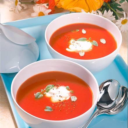 Tomatensuppe mit Crème fraîche Rezept