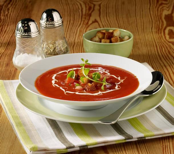 Tomatensuppe mit Créme fraîche und Croûtons Rezept