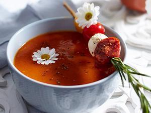 Tomatensuppe mit Gemüse-Spießen Rezept