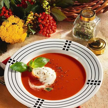 tomatensuppe mit gin sahne rezept chefkoch rezepte auf kochen backen und schnelle. Black Bedroom Furniture Sets. Home Design Ideas