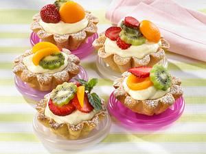 Torteletts mit Zitronencreme und Früchten Rezept