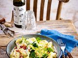 Tortellini mit Brokkoli-Sahnesoße und Speck Rezept