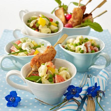 Tortelloni-Salat zu Schnitzel-Spießen Rezept