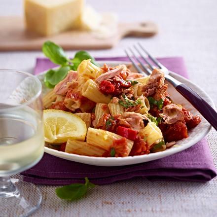 Tortiglioni mit Thunfischsoße Rezept