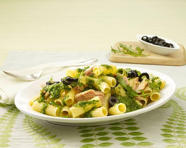 Tortiglioni mit Thunfischsoße (Pastasoße) Rezept