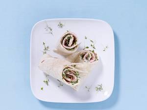 Tortilla mit Meerrettich, Lachsschinken und Kresse Rezept