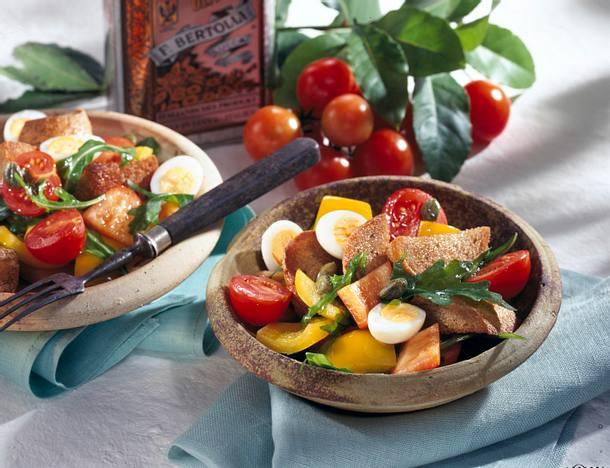 Toskanischer Brotsalat mit Wachteleiern Rezept
