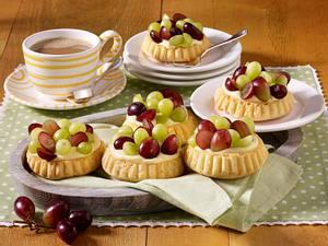 Trauben-Tarteletts mit Weincreme Rezept