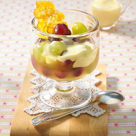 Traubengrütze mit Vanillesoße Rezept