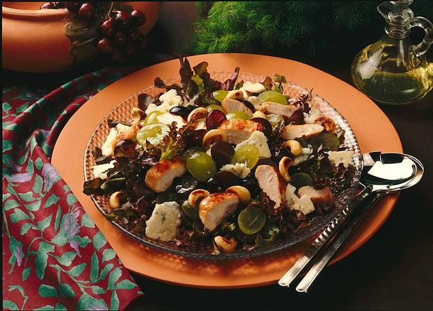 Traubensalat mit Käse und Hähnchenfilet Rezept
