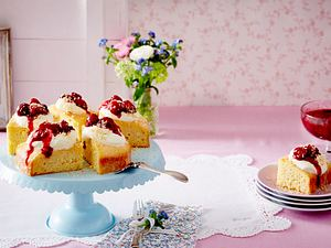Tres-leche-Kuchen mit Beeren Rezept