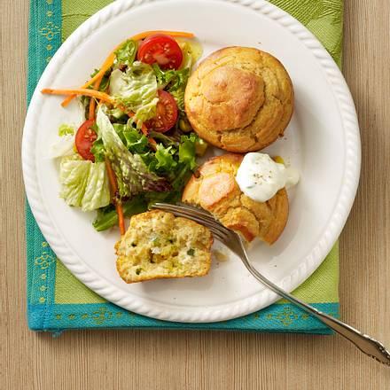 Tsatsiki-Muffins mit Salat Rezept