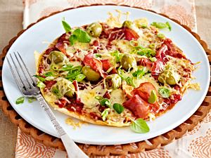 Turbo-Tortillapizza mit Salami Rezept