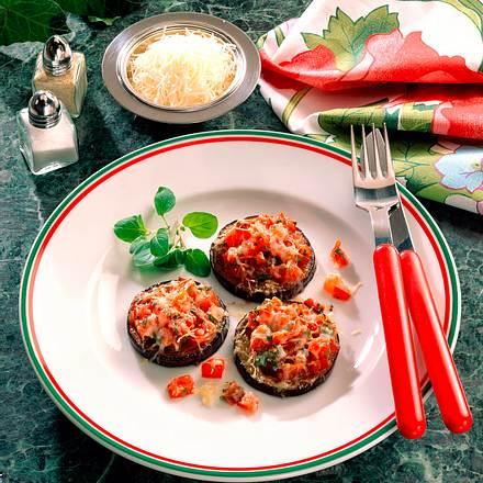 Überbackene Auberginen- scheiben mit Tomaten Rezept