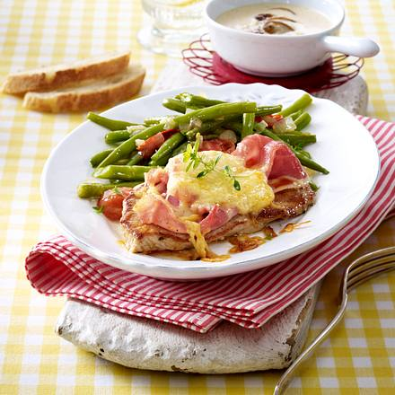 Überbackene Käse-Schinken-Schnitzel Rezept