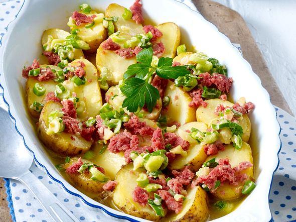 Überbackene Kartoffeln mit Lauchzwiebel-Stippe Rezept