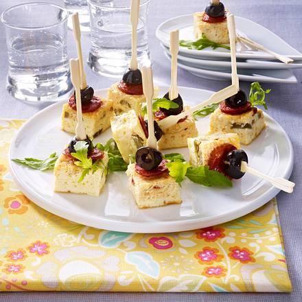 Überbackene Oliven- und Chorizowürfel am Spieß Rezept