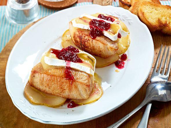 Überbackene Schnitzel mit Camembert Rezept