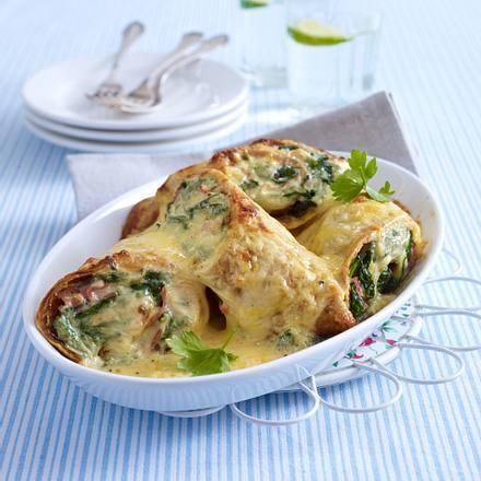 Überbackene Spinat-Pfannkuchen mit Roquefort und gekochtem Schinken Rezept