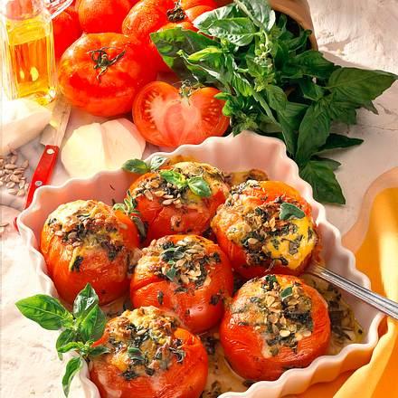 Überbackene Tomaten mit Mozzarella-Kräutermischung Rezept