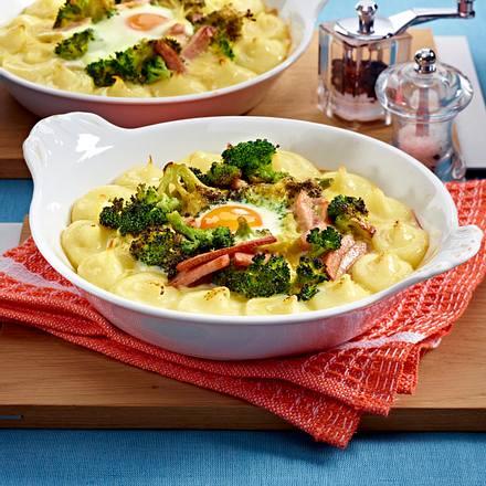 Überbackener Brokkoli mit Kartoffelpüree, Fleischwurst und Eiern Rezept